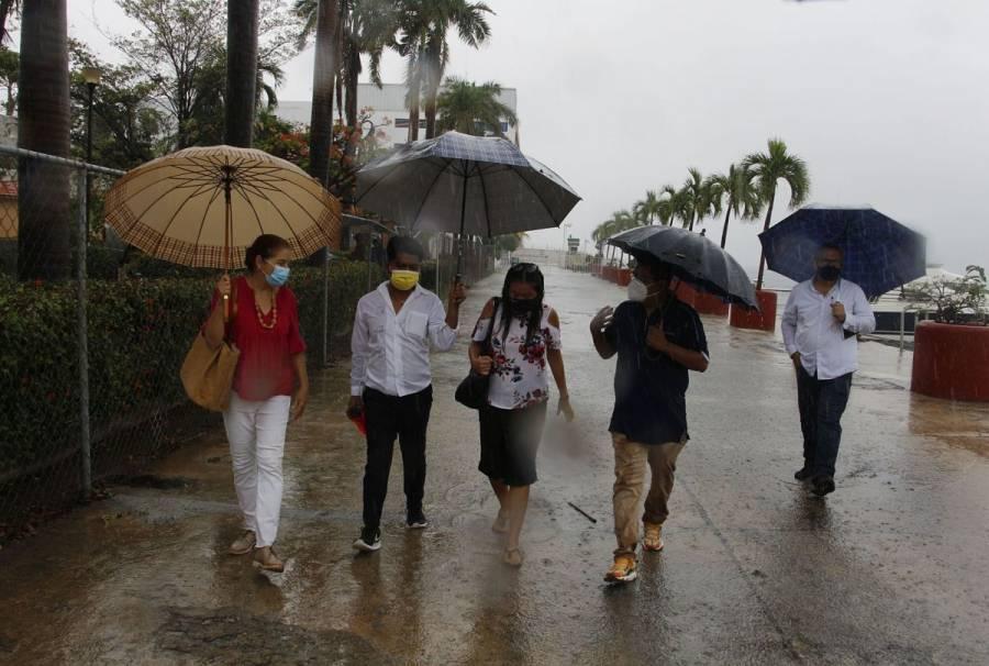 Pronostican fuertes lluvias en varios estados por depresión tropical Diez-E
