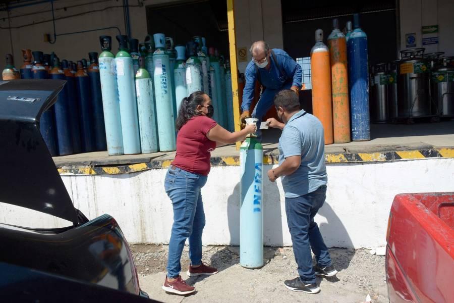 En Coacalco prestan gratis tanques de oxígeno