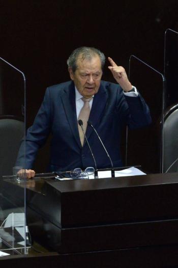 Ni goles, ni votos, dice Muñoz Ledo al referirse a selección de futbol y a la consulta popular