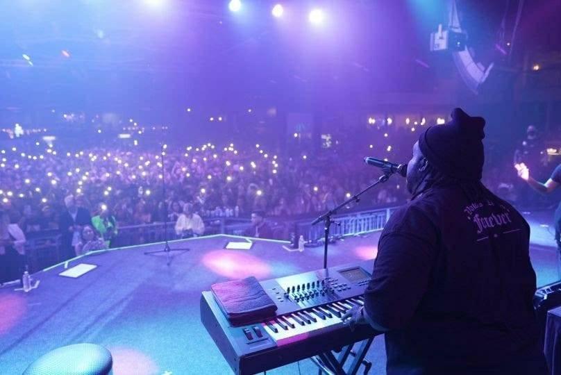 Panameño Sech abarrota conciertos de su gira por EUA