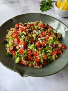 Chef Doreen Colondres recomienda en verano Ensalada de Quinoa Griega