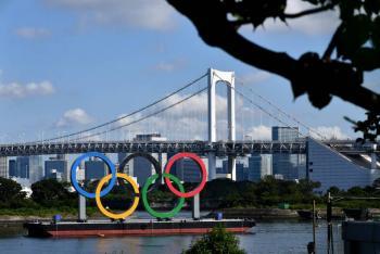 Tras fiesta de atletas en Tokio, Comité Olímpico nacional pide disculpas