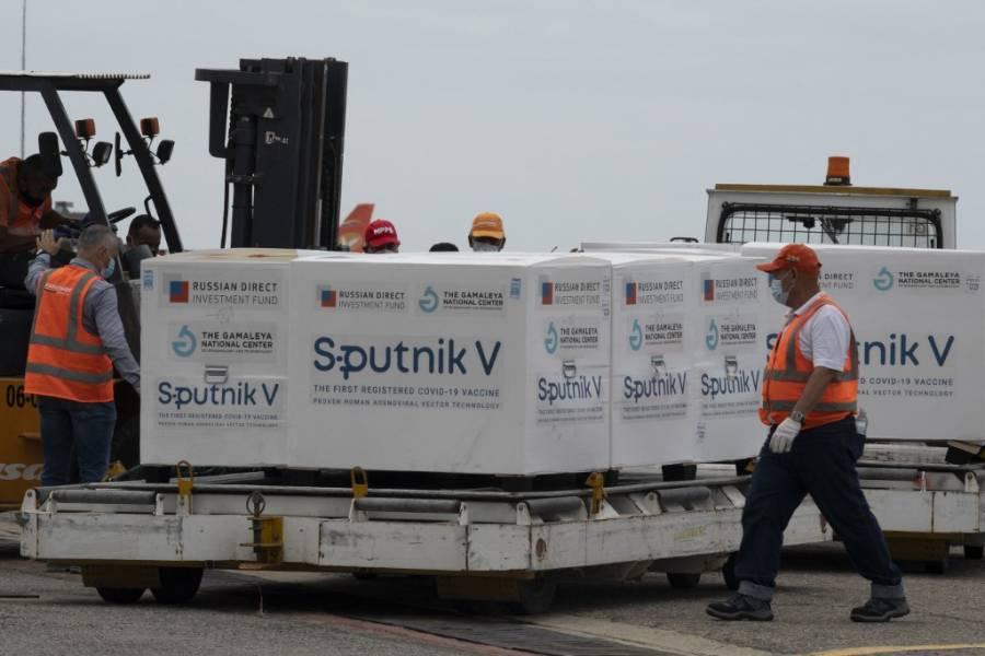Rusia promete resolver retrasos en entregas de vacuna Sputnik V