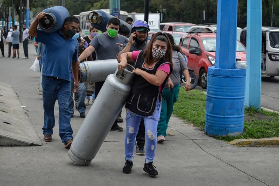 Piden a Profeco vigilar que gaseras entreguen tanques llenos en la CDMX