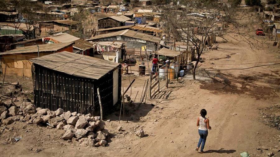 Crece la pobreza en México durante la 4T: Coneval