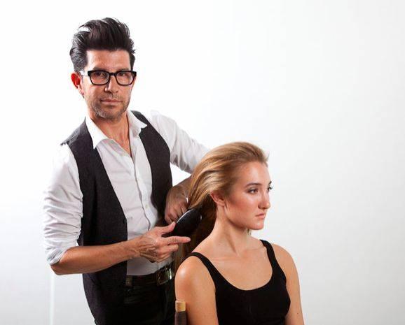 Estilista de las estrellas Marco Peña da tips para cuidar el cabello