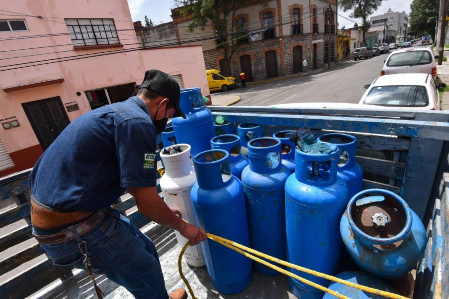 """Gaseros no descartan nuevos paros, despidos, zonas sin cobertura y crecimiento del """"huachigas"""" si no se quita tarifa máxima"""