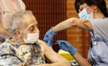 Francia administrará tercera dosis de vacuna anticovid