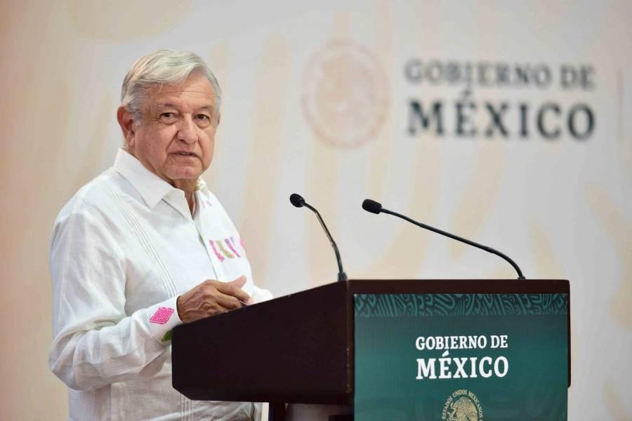 AMLO promete pago de salarios a funcionarios de Colima
