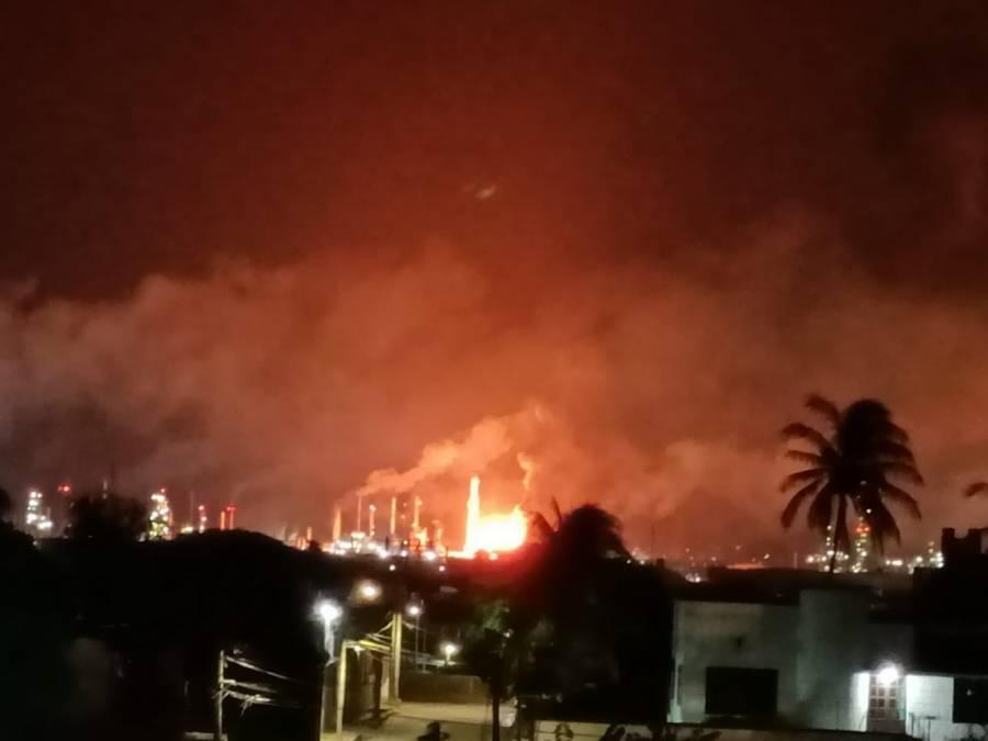 Nuevo incendio en refinería Antonio Dovalí en Oaxaca