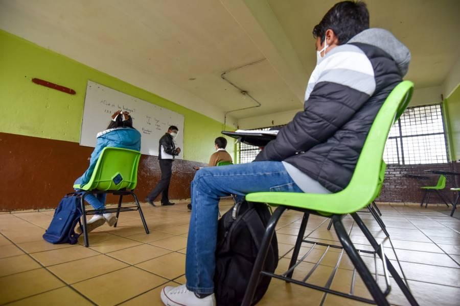 Con #VacunaParaEstudiantes, piden inmunizar a niños previo al regreso a clases