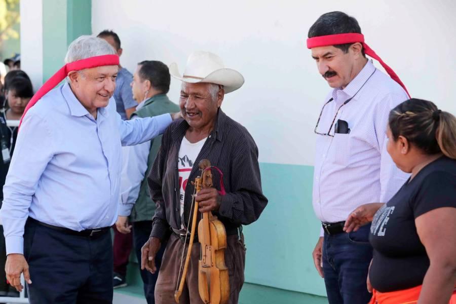 Javier Corral, un gobernador honrado que le hacía falta a Chihuahua: AMLO