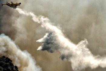 Avión antiincendios se estrella en Grecia