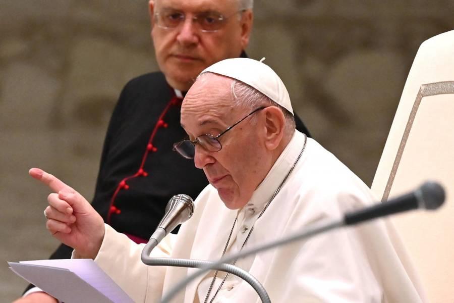 Interceptan en Italia una carta con tres balas dirigida al Papa Francisco