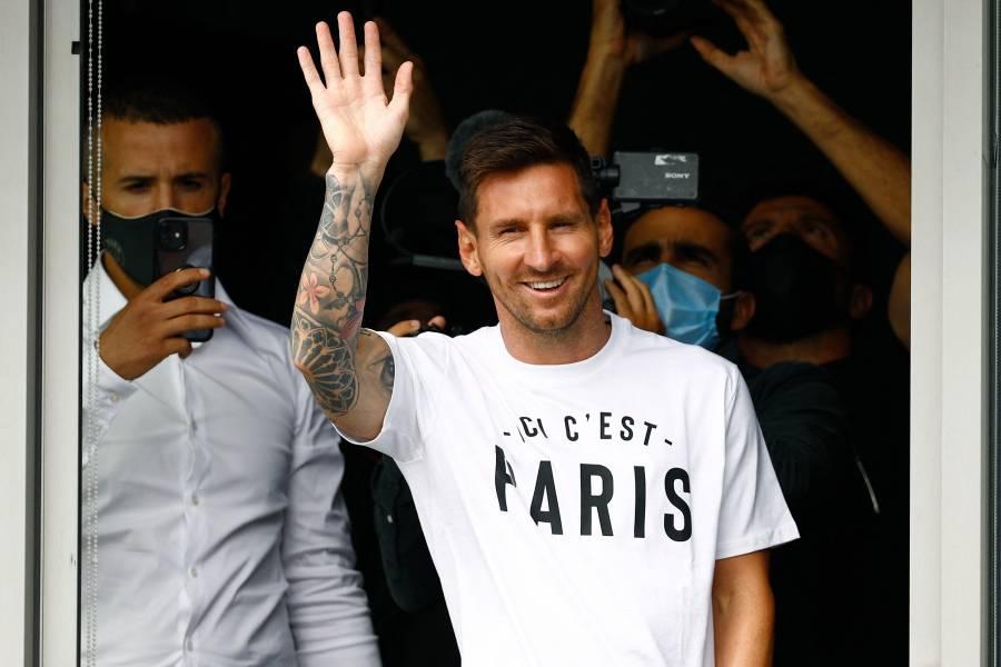 ¡Histórico! Así recibió la afición del PSG a Messi