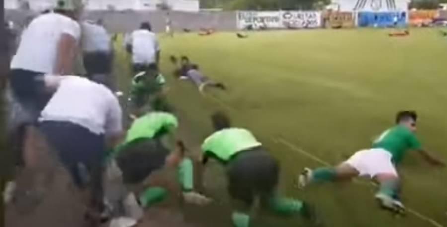 Terror en León: balacera en partido de fútbol deja tres muertos [VIDEO]