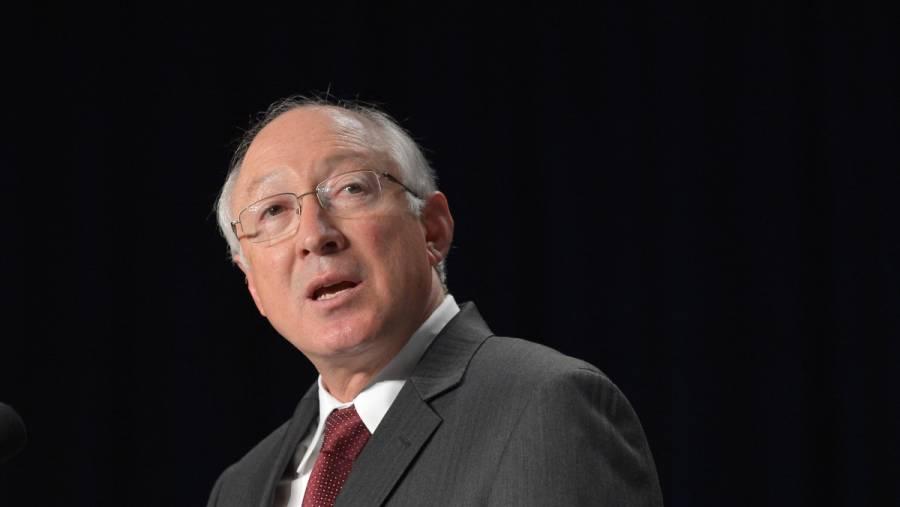 SRE felicita a Ken Salazar como nuevo embajador de EEUU en México