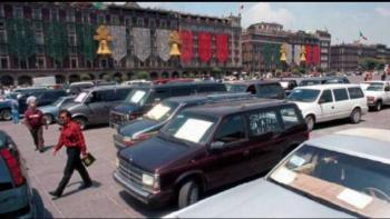 """Alrededor de 5 millones de autos """"chocolate"""" circulan en México: UC"""