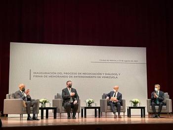 Gobierno y oposición venezolana firman acuerdo para iniciar el diálogo