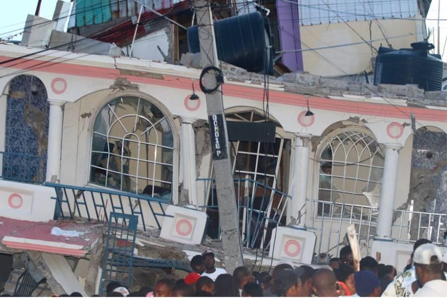 Sube a casi mil 300 la cifra de fallecidos por terremoto en Haití