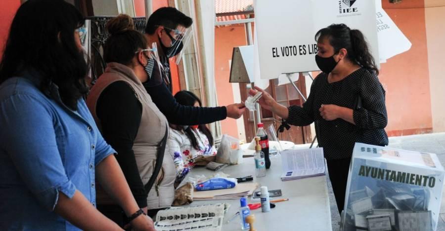 Casilla electoral deberá anularse cuando los funcionarios de casilla no pertenecen a la sección : TEPJF