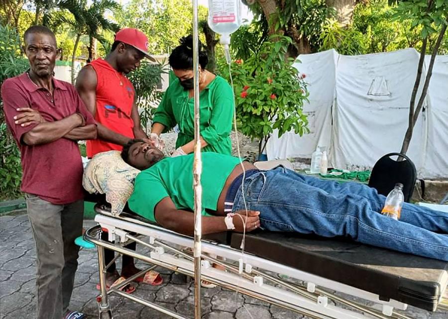 Ascienden a 304 los muertos a causa del terremoto en Haití
