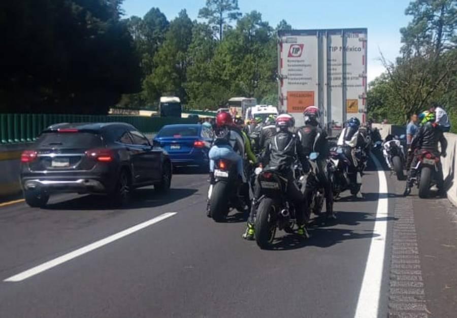Para evitar accidentes, piden regular la forma en que manejan los motociclistas