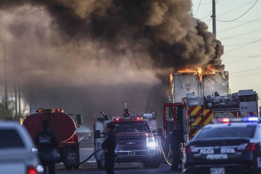 Tráiler se incendia en la carretera México-Cuernavaca; no hay lesionados