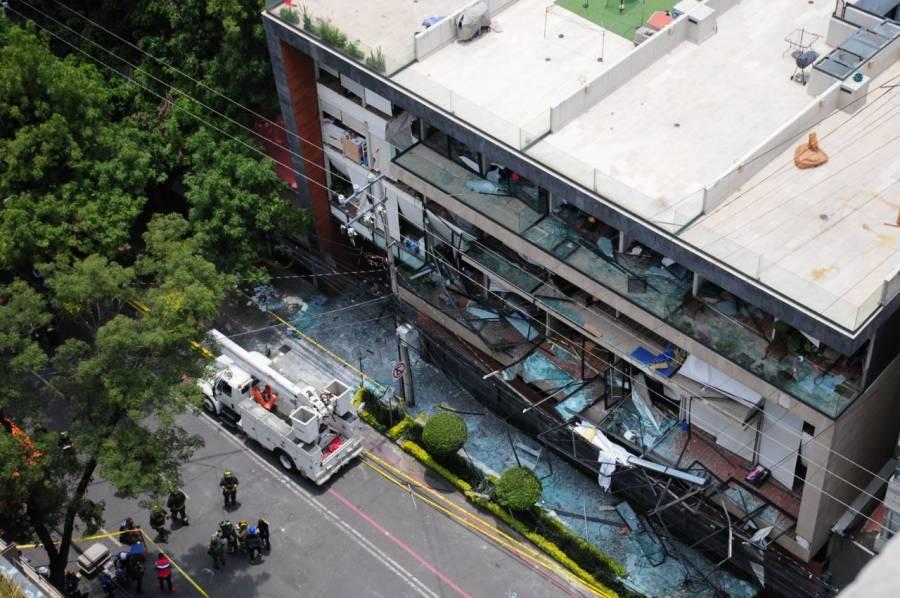 Muere un hombre por explosión en edificio de Avenida Coyoacán