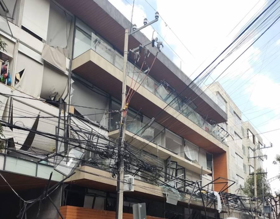 Tras explosión en edificio, desalojan a 300 personas en avenida Coyoacán