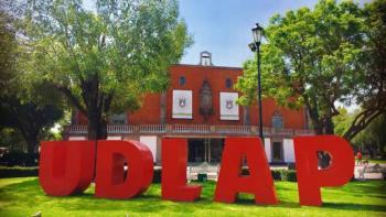 Por desconocer el caso, juez no puede devolver campus de la UDLAP, dice abogado