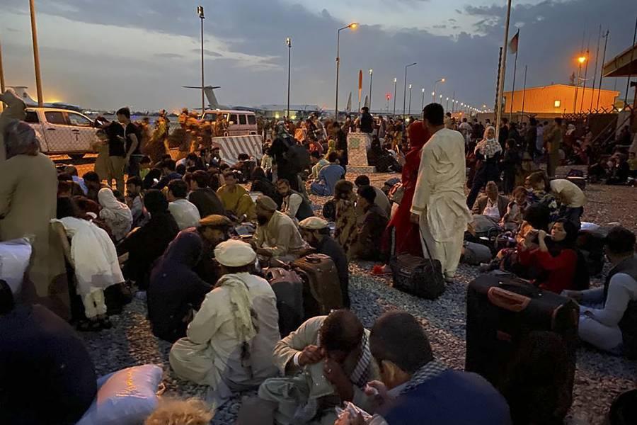 Ecuador ofrece protección a desplazados por crisis en Afganistán