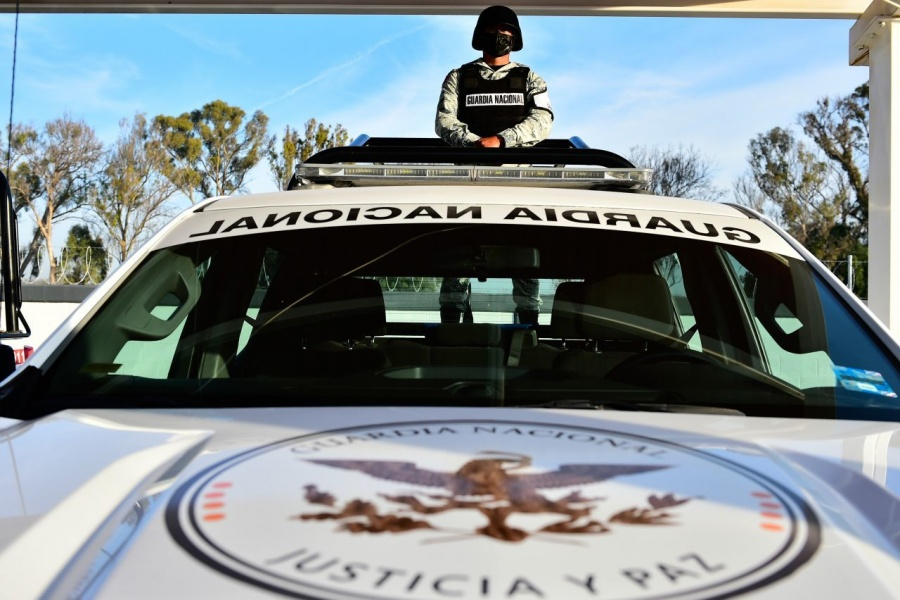 Mérida: Guardia Nacional detiene a pasajero con casi medio millón de pesos en el cuerpo