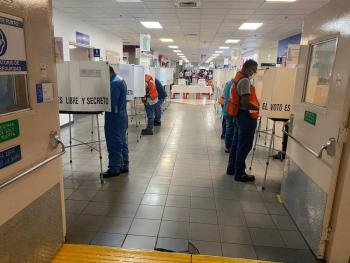 Trabajadores de GM en Silao tumban contrato colectivo tras votación