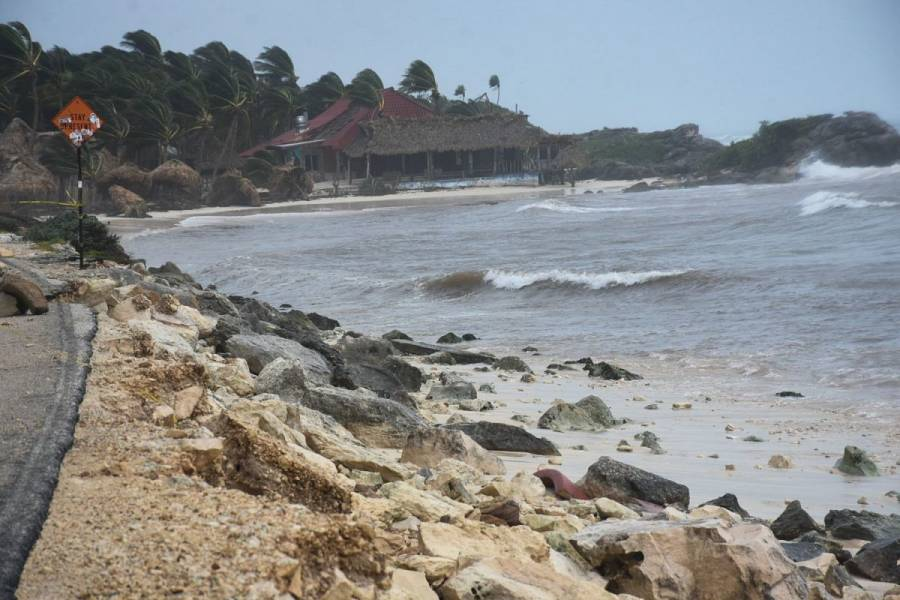 Grace se intensifica de nuevo a huracán; impactará en Veracruz