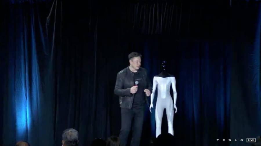 Tesla trabaja en un robot humanoide: Elon Musk