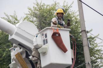 """CFE restablece energía a 94% de usuarios afectados por """"Grace"""""""