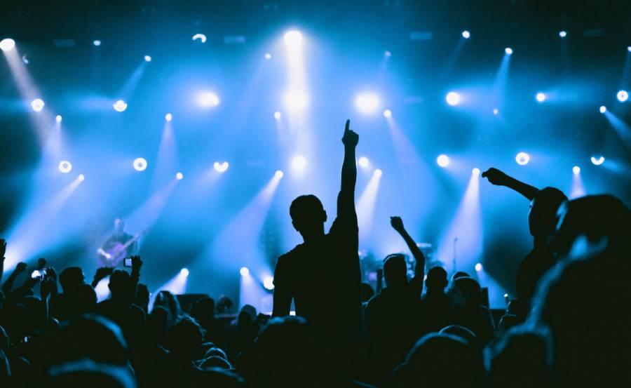 Nueva York celebrará concierto con miles de personas, a pesar de la pandemia y la amenaza de huracán