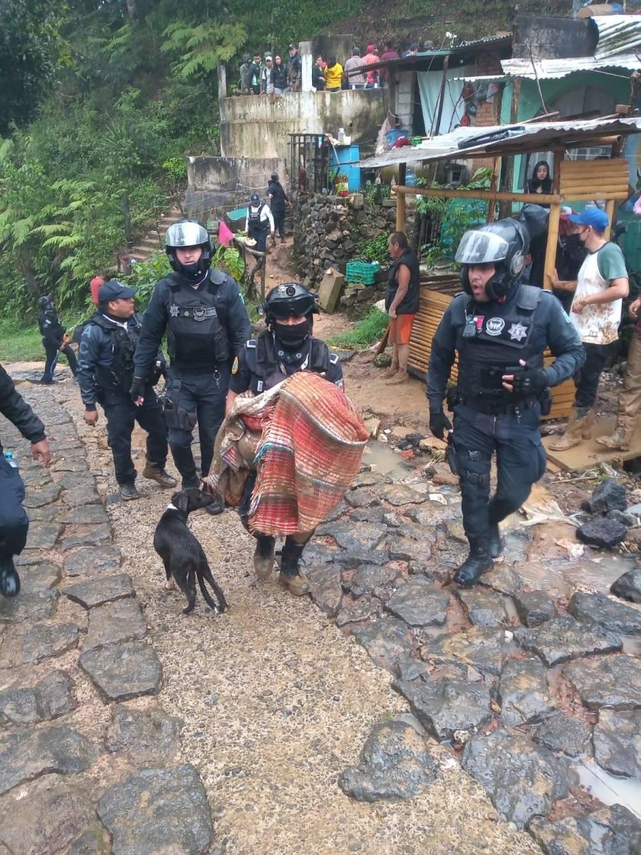 Tras derrumbes en Xalapa, la SSP encontró a siete personas fallecidas