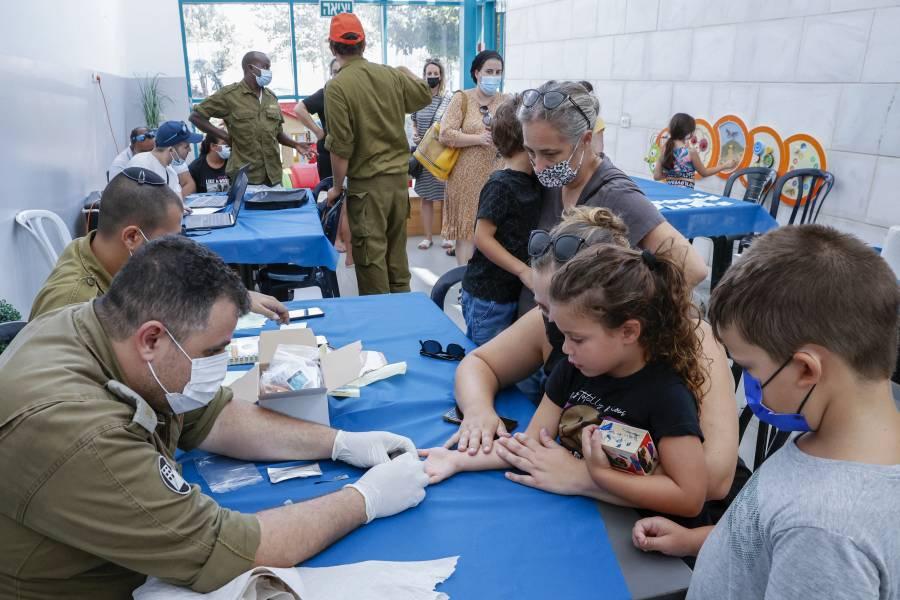 Israel comienza campaña de test de Covid-19 en niños de 3 a 12 años