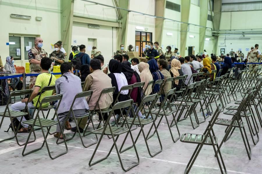 España recibirá hasta 4 mil afganos evacuados por EEUU