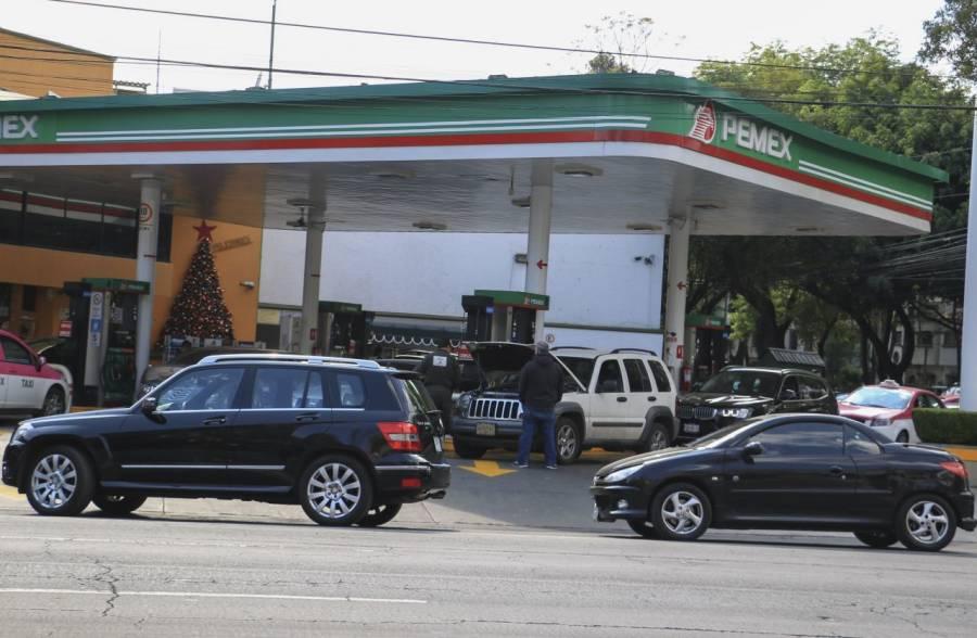 BBVA advierte que reformas comerciales de la 4T podrían elevar precio de gasolina