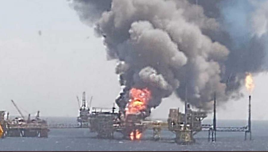 Greenpeace urge cambiar modelo energético en México tras incendio en plataforma