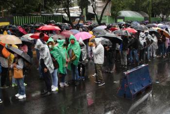 Por no respetar turno, hubo retraso en vacunación contra COVID-19 en Xochimilco: GobCDMX