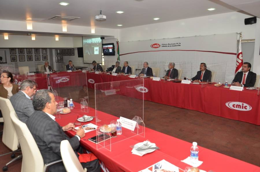 Presenta Netzahualcóyotl Salvatierra ejes para consolidar agenda estratégica común en Concamin