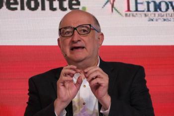 Roban WhatsApp de Roy Campos, presidente de Consulta Mitofsky