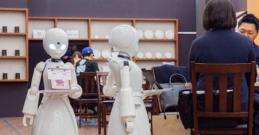 En Tokio apuestan por la inclusión con robots en una cafetería