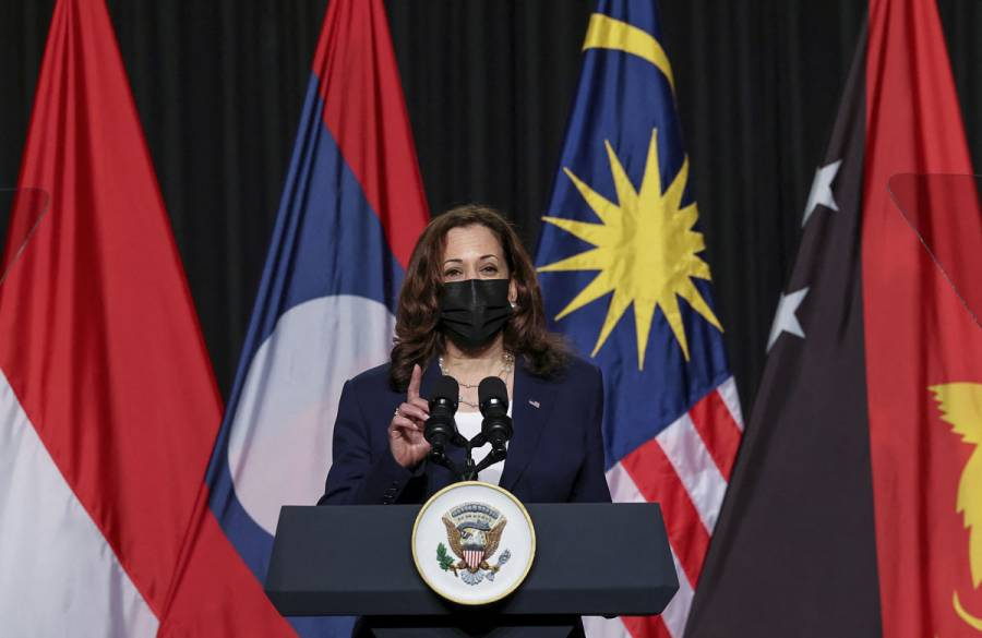 Kamala Harris inicia visita oficial a Vietnam con Afganistán como telón de fondo