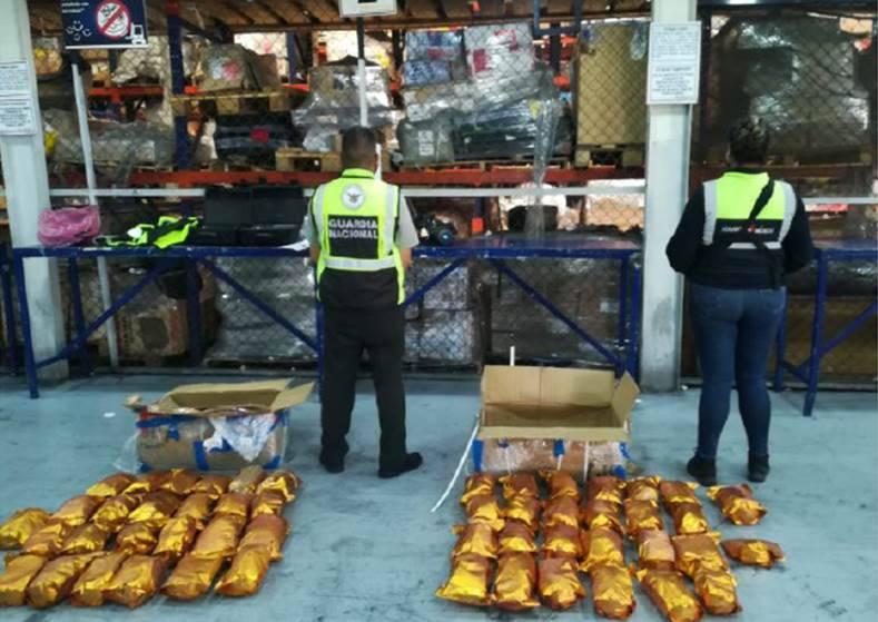 Aduanas y Guardia Nacional decomisan 55 kilos de fentanilo en AICM