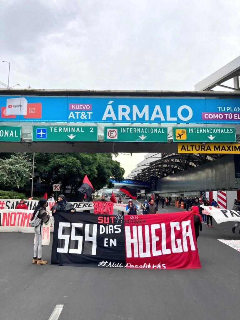 Huelguistas de Notimex piden solucionar conflicto laboral y frenar persecución judicial